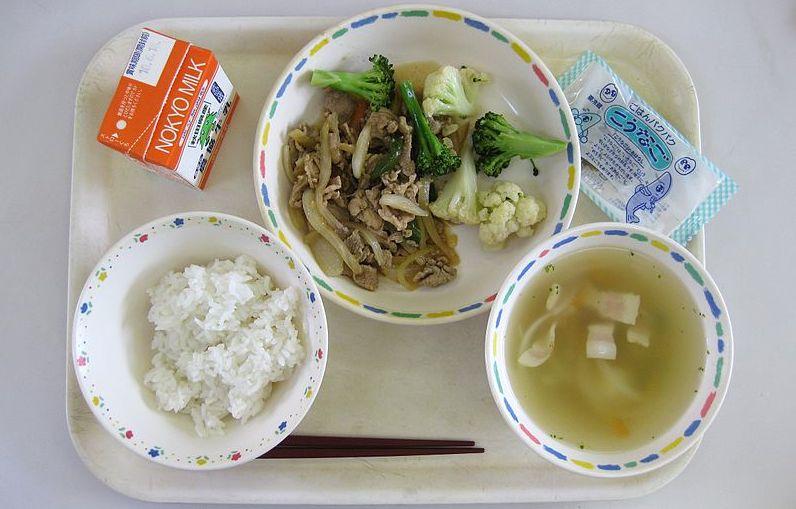 Japanese-school-lunch01