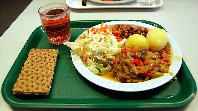 sweden-School-lunch01